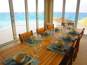 Bahamas Dining