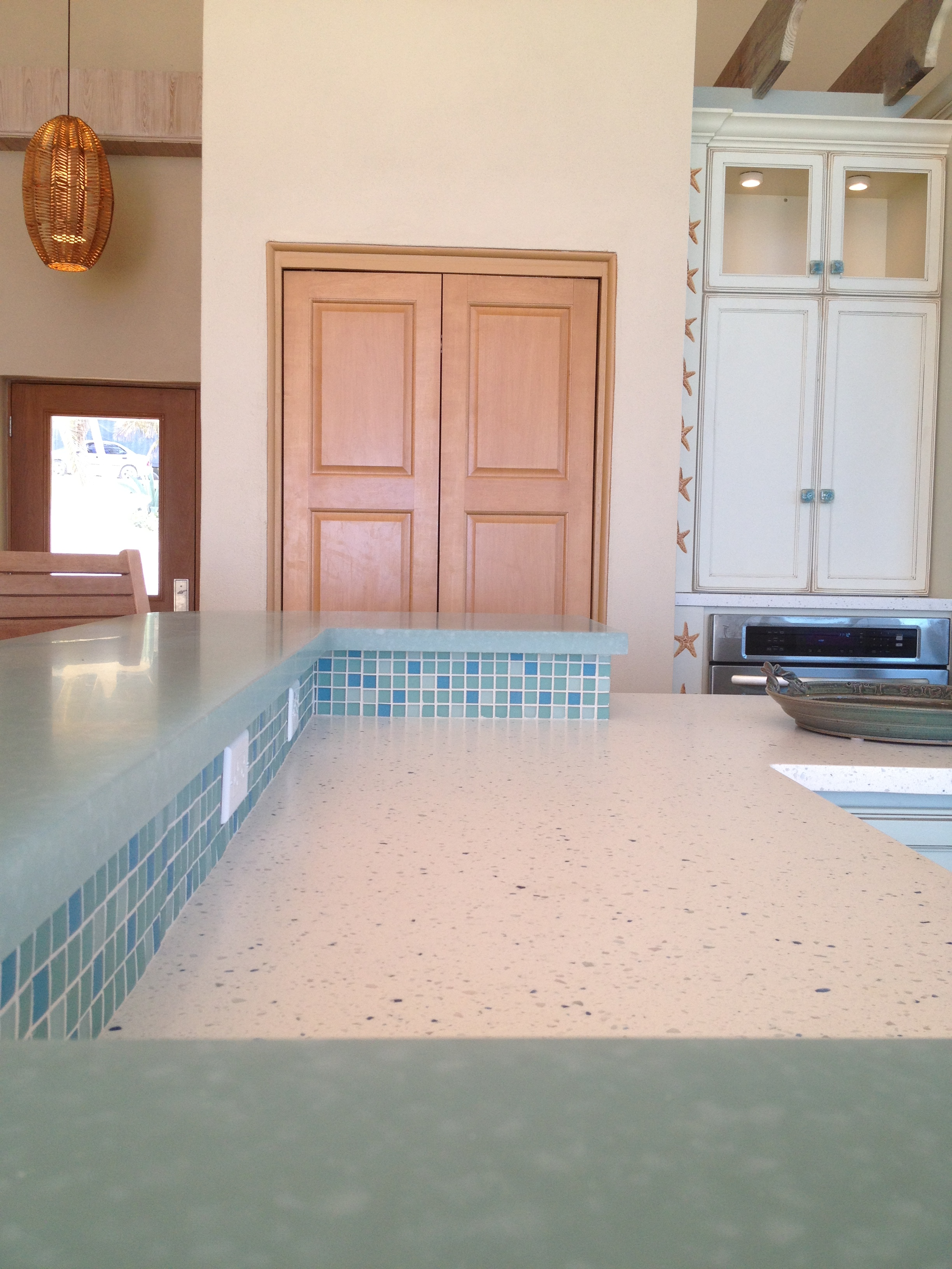 RCI Solid Surface Countertop with Glass Bar top